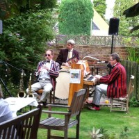 Music in the garden at The Wheatsheaf